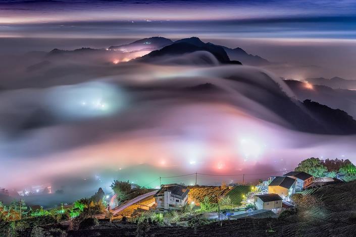 13-頂石桌琉璃雲瀑_圖示